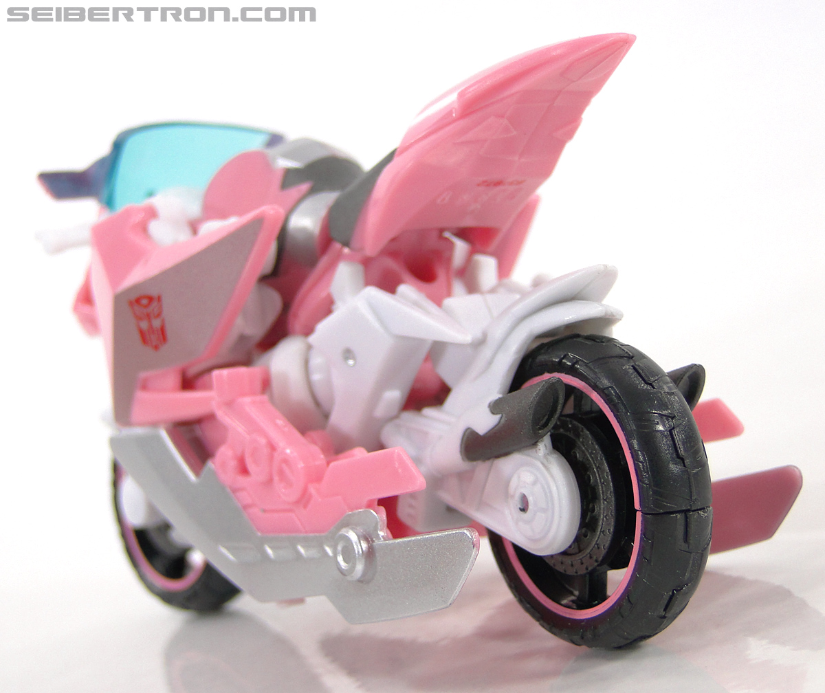 Transformers Prime: First Edition Arcee (NYCC) (Image #8 of 127)