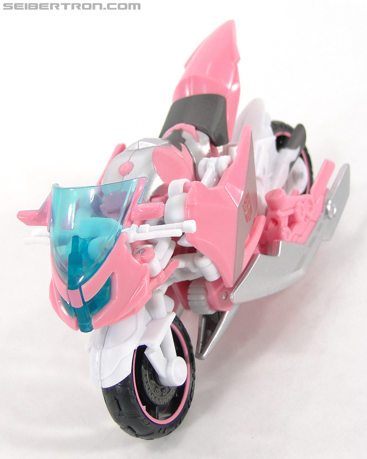 Transformers Prime: First Edition Arcee (NYCC) (Image #12 of 127)