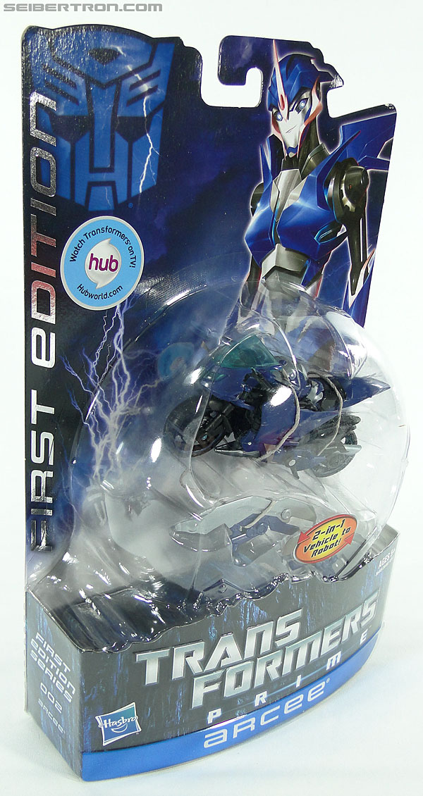 Transformers Prime: First Edition Arcee (Image #7 of 129)