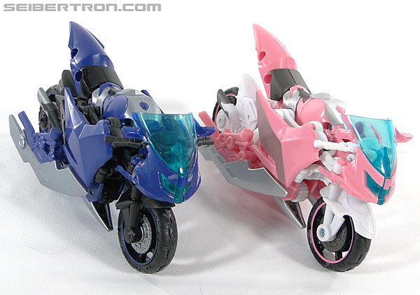 Transformers Prime: First Edition Arcee (Image #42 of 129)