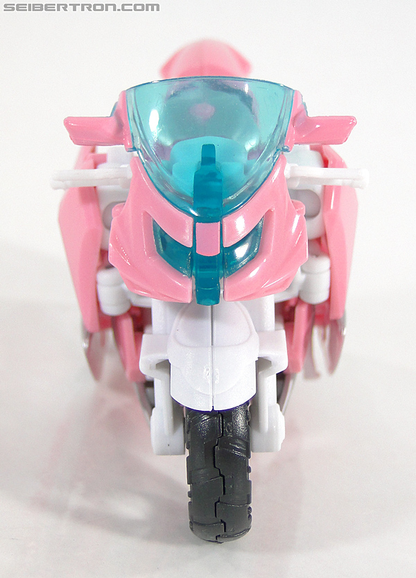 Transformers Prime: First Edition Arcee (NYCC) (Image #1 of 127)