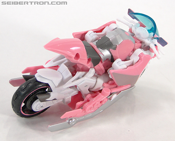 Transformers Prime: First Edition Arcee (NYCC) (Image #5 of 127)