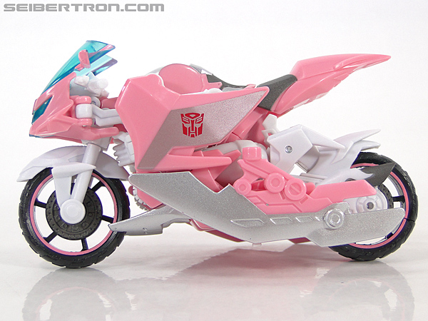 Transformers Prime: First Edition Arcee (NYCC) (Image #9 of 127)