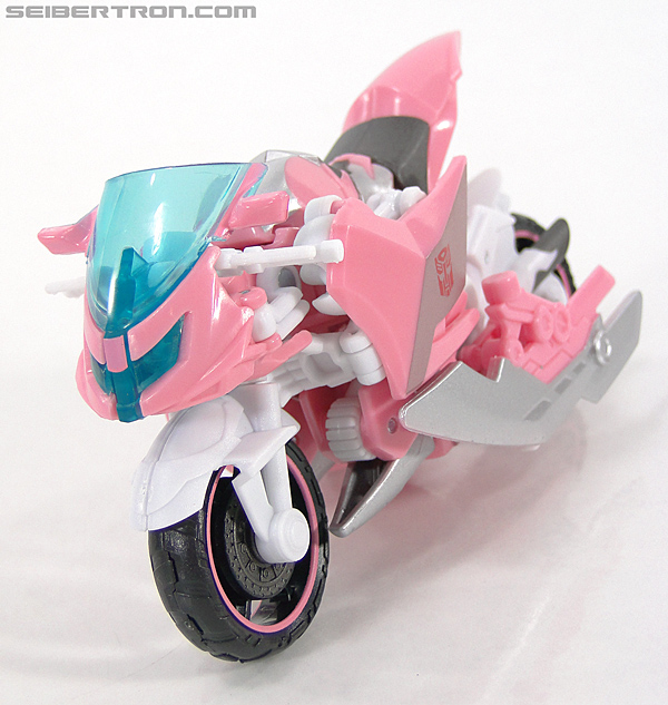 Transformers Prime: First Edition Arcee (NYCC) (Image #11 of 127)