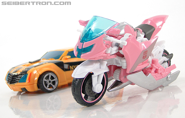 Transformers Prime: First Edition Arcee (NYCC) (Image #14 of 127)