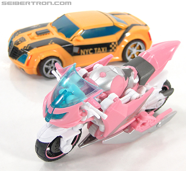Transformers Prime: First Edition Arcee (NYCC) (Image #15 of 127)