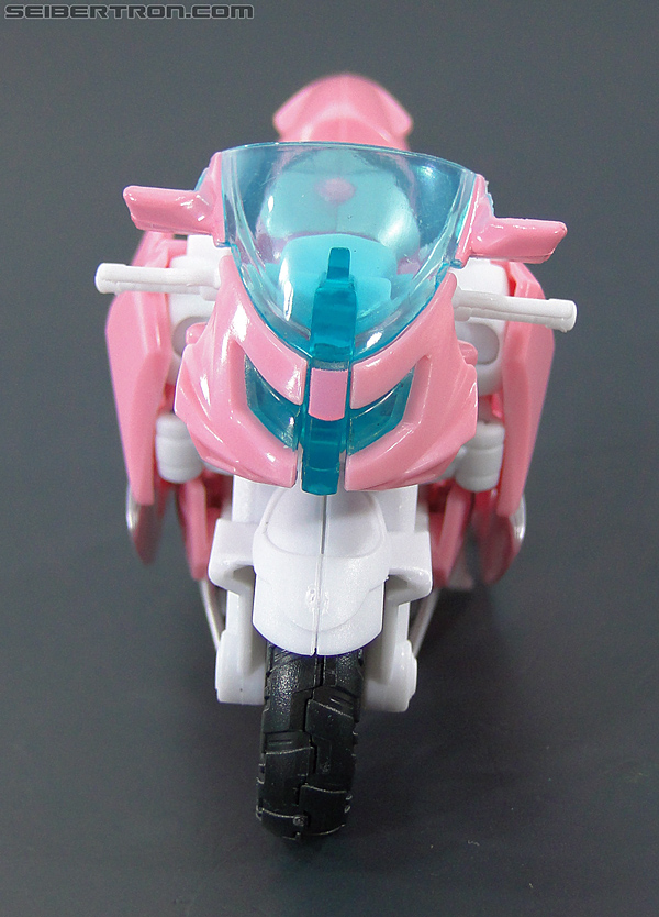 Transformers Prime: First Edition Arcee (NYCC) (Image #22 of 127)