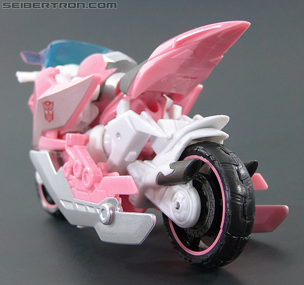 Transformers Prime: First Edition Arcee (NYCC) (Image #27 of 127)