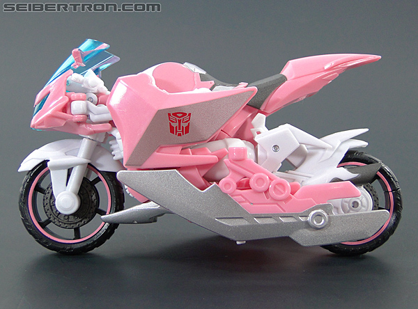 Transformers Prime: First Edition Arcee (NYCC) (Image #28 of 127)