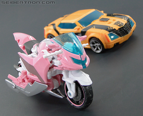 Transformers Prime: First Edition Arcee (NYCC) (Image #32 of 127)