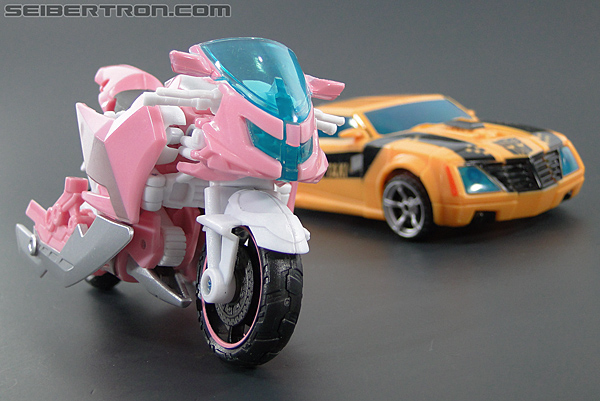 Transformers Prime: First Edition Arcee (NYCC) (Image #33 of 127)