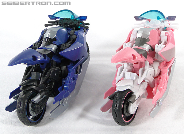 Transformers Prime: First Edition Arcee (NYCC) (Image #50 of 127)