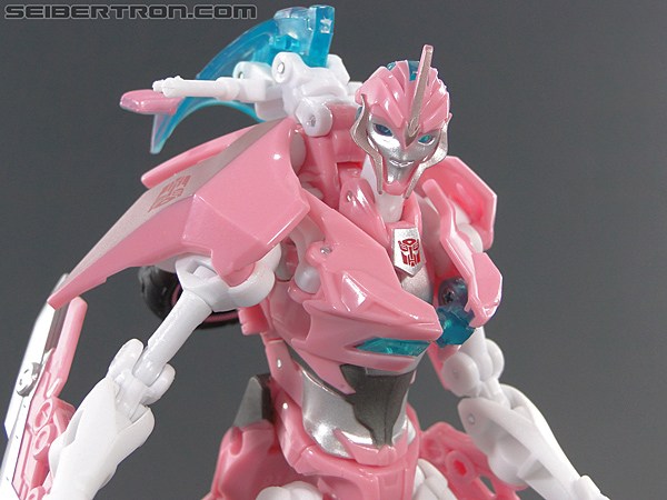 Transformers Prime: First Edition Arcee (NYCC) (Image #77 of 127)