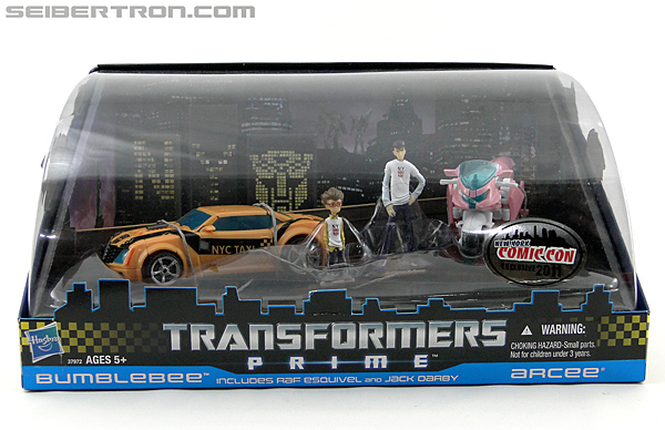 Transformers Prime: First Edition Bumblebee (NYCC) (Image #1 of 185)