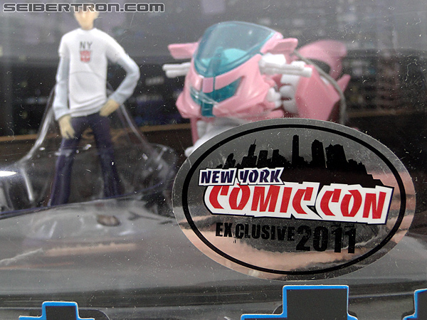 Transformers Prime: First Edition Bumblebee (NYCC) (Image #3 of 185)
