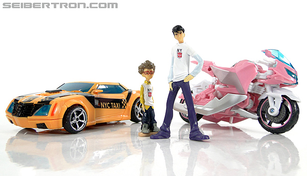 Transformers Prime: First Edition Raf Esquivel (NYCC) (Image #22 of 59)