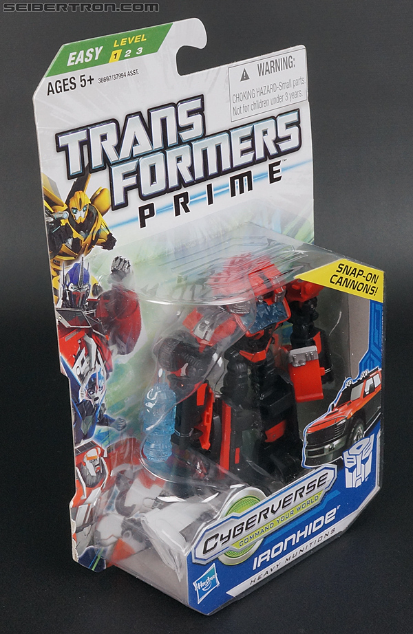 Transformers Prime: Cyberverse Ironhide (Image #3 of 131)