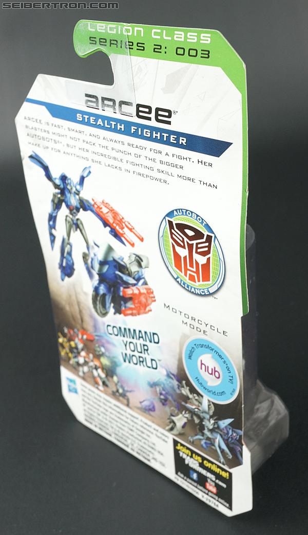 Transformers Prime: Cyberverse Arcee (Image #4 of 101)