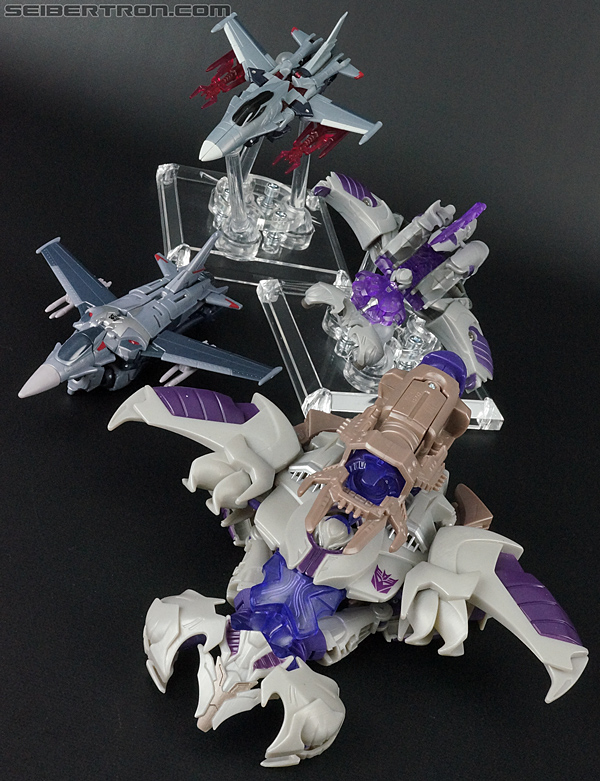 Transformers Prime: Cyberverse Starscream (Image #47 of 154)