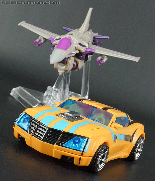 Transformers Prime: Robots In Disguise Bumblebee (Entertainment Pack) (Image #23 of 94)