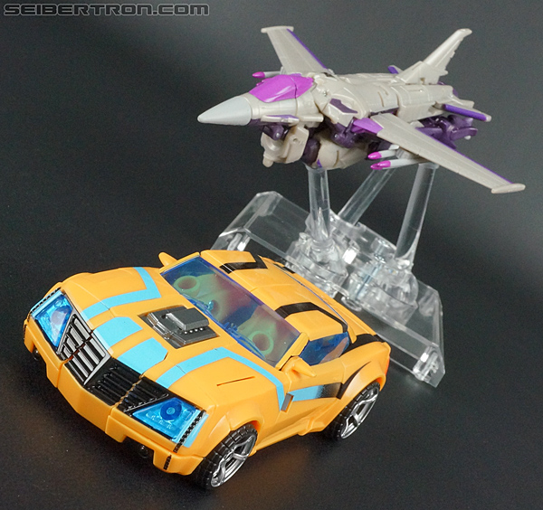 Transformers Prime: Robots In Disguise Bumblebee (Entertainment Pack) (Image #24 of 94)