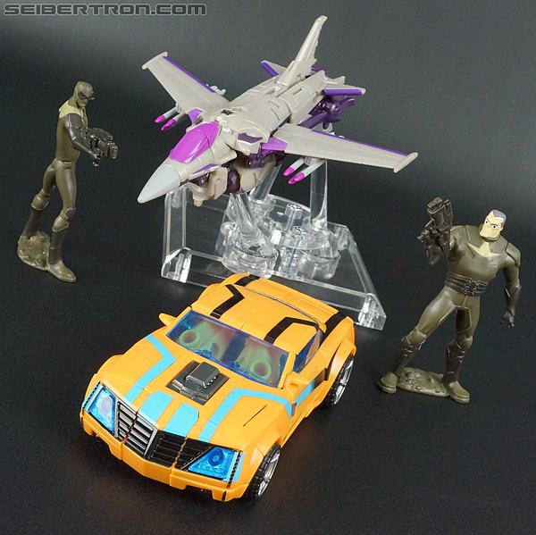 Transformers Prime: Robots In Disguise Bumblebee (Entertainment Pack) (Image #29 of 94)