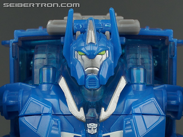 Transformers Prime: Robots In Disguise Ultra Magnus gallery