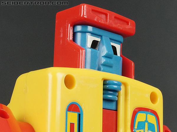 First Transformers Dump-Kun (Dump Truck) (Image #26 of 61)