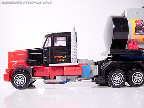 Transformers Generation 2 Laser Optimus Prime (Battle Convoy) (Image #33 of 123)