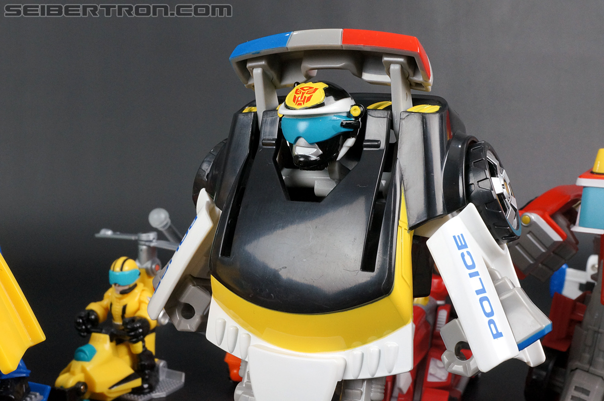 Transformers Rescue Bots Chase the Police-Bot (Image #95 of 97)