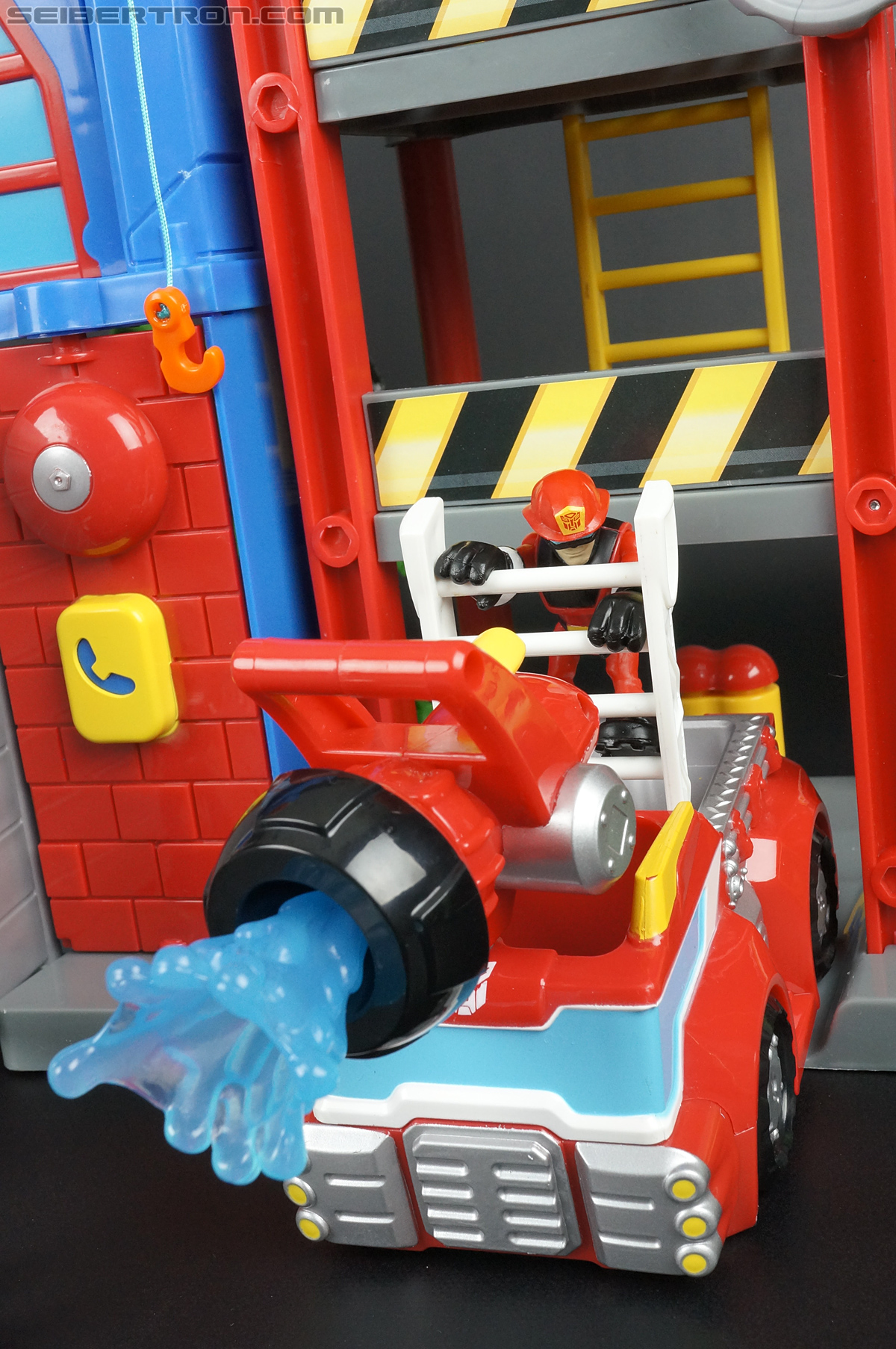 Transformers Rescue Bots Cody Burns (Fire Station Prime) (Image #65 of 66)