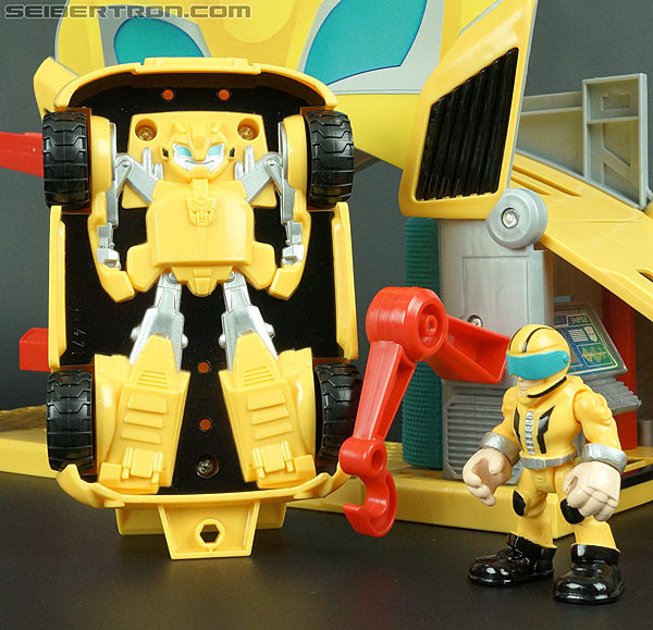 Transformers Rescue Bots Bumblebee (Bumblebee Rescue Garage) (Image #60 of 78)