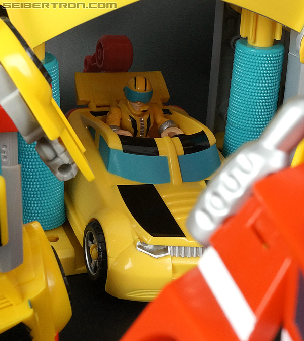Transformers Rescue Bots Bumblebee (Bumblebee Rescue Garage) (Image #66 of 78)