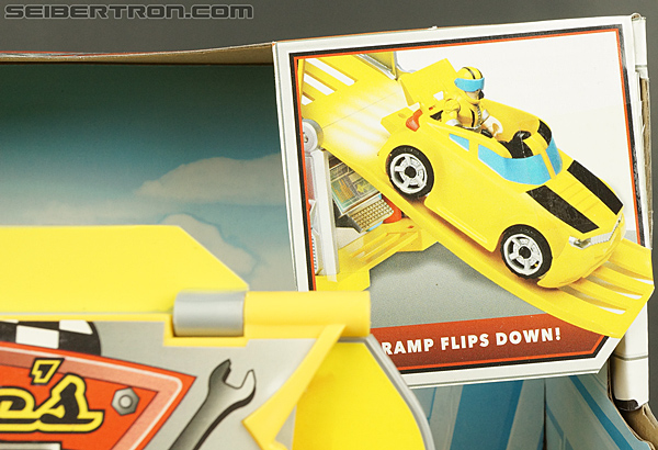 Transformers Rescue Bots Bumblebee Rescue Garage (Image #9 of 80)