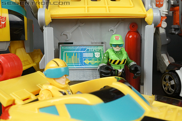 Transformers Rescue Bots Bumblebee Rescue Garage (Image #73 of 80)