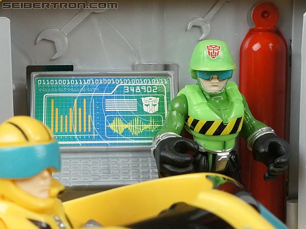 Transformers Rescue Bots Bumblebee Rescue Garage (Image #74 of 80)