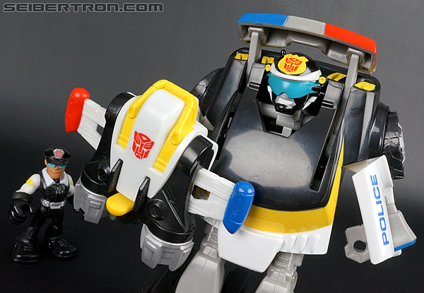Transformers Rescue Bots Chase the Police-Bot (Image #78 of 97)