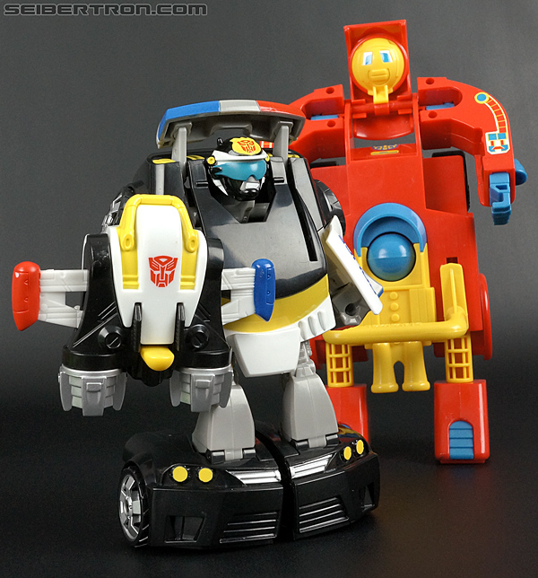 Transformers Rescue Bots Chase the Police-Bot (Image #90 of 97)