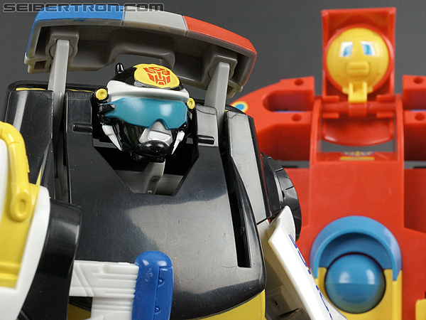 Transformers Rescue Bots Chase the Police-Bot (Image #92 of 97)