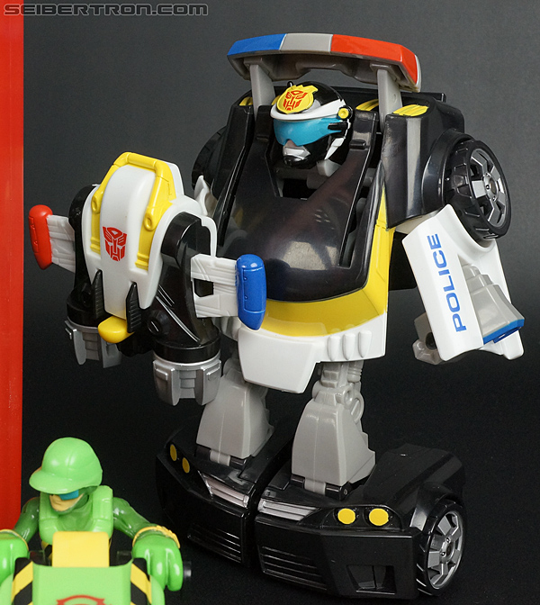 Transformers Rescue Bots Chase the Police-Bot (Image #93 of 97)