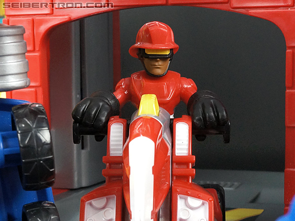 Transformers Rescue Bots Cody Burns & Rescue Axe (Image #67 of 68)
