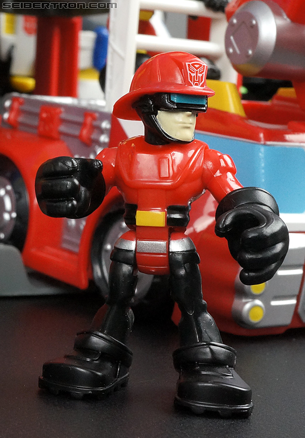 Transformers Rescue Bots Cody Burns & Rescue Hose (Image #76 of 77)