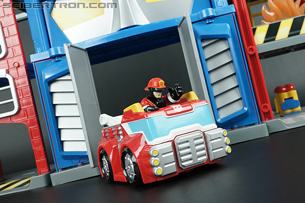 Transformers Rescue Bots Fire Station Prime (Image #74 of 136)