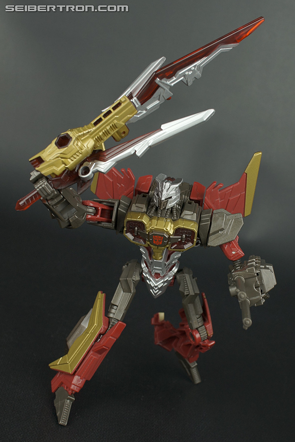 New Galleries: Deluxe Fall of Cybertron Starscream, Kickback, Sideswipe, Ultra Magnus and Air Raid