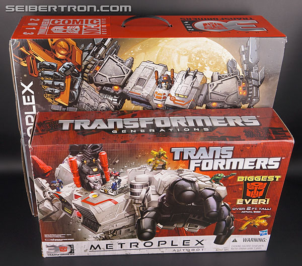 SDCC Metroplex box comparison to retail version