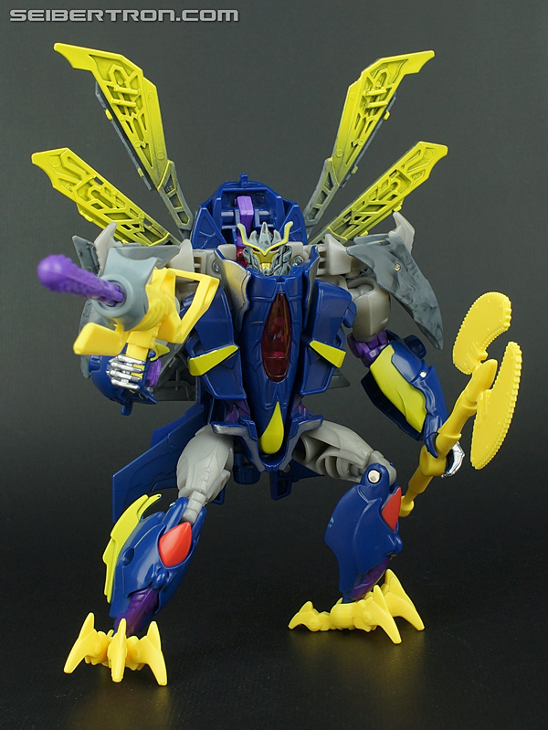 Re: New Galleries: Transformers Prime Beast Hunters Deluxe and Voyager Class