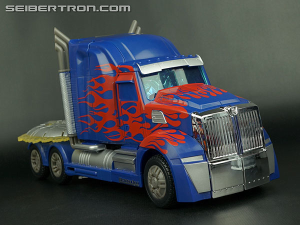Transformers News: Video Review: Transformers Age of Extinction First Edition Optimus Prime