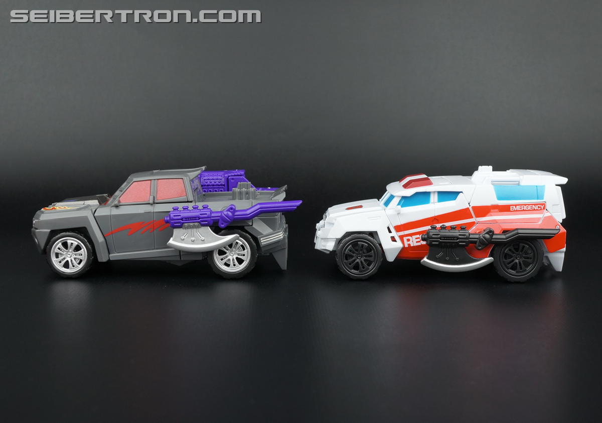 Transformers Generations Combiner Wars First Aid (Image #51 of 137)
