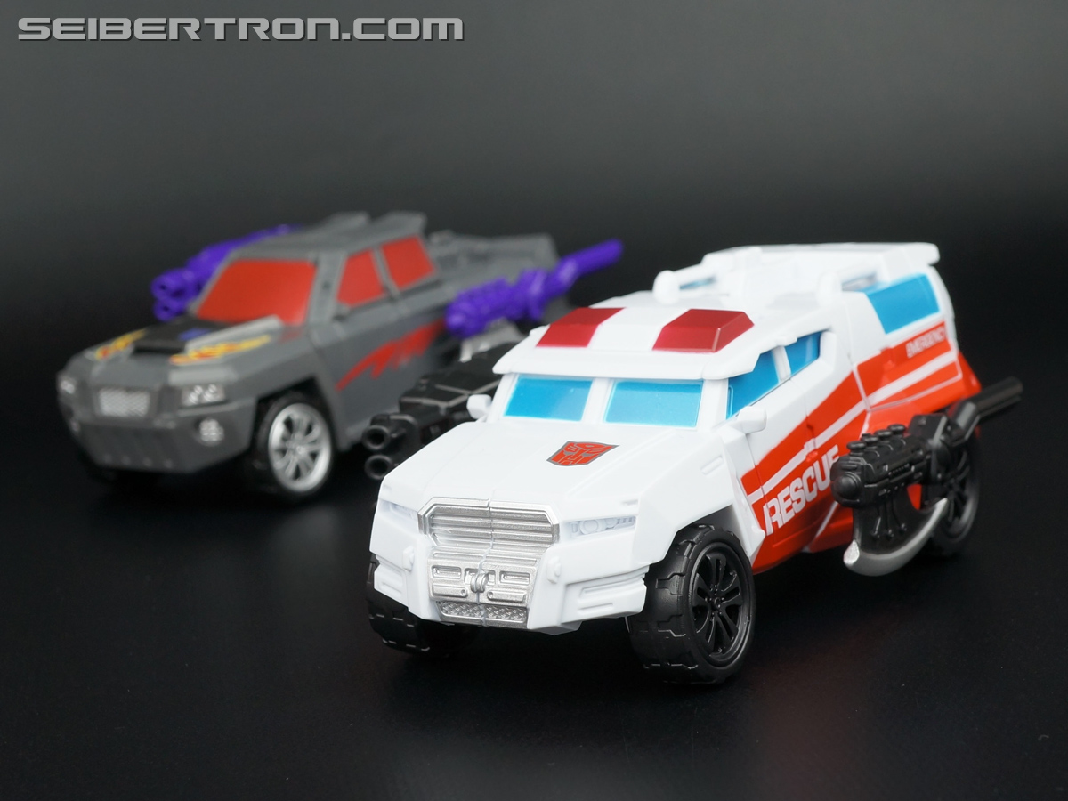 Transformers Generations Combiner Wars First Aid (Image #54 of 137)