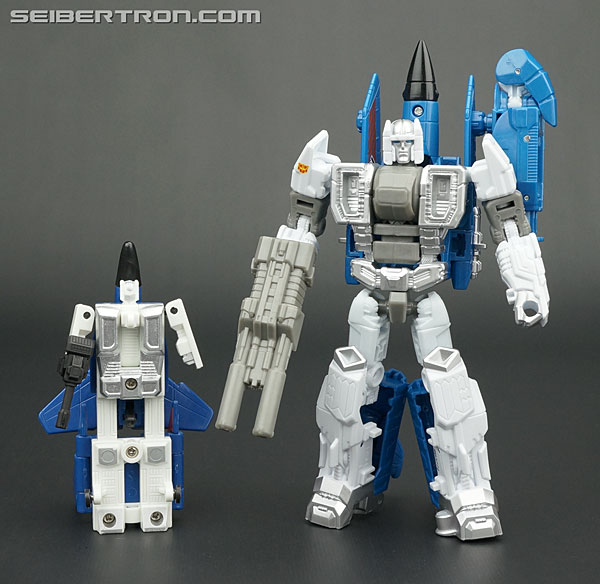 Transformers News: New Galleries: Transformers Generations Combiner Wars G2 Superion